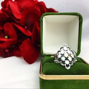 Jewelry - Sterling Silver Openwork Diamond Shaped Ring